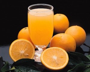 freshly squeezed orange juice contains most of the nutrients of fresh oranges